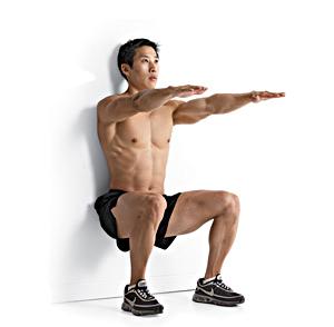 zittende-squat-tegen-muur