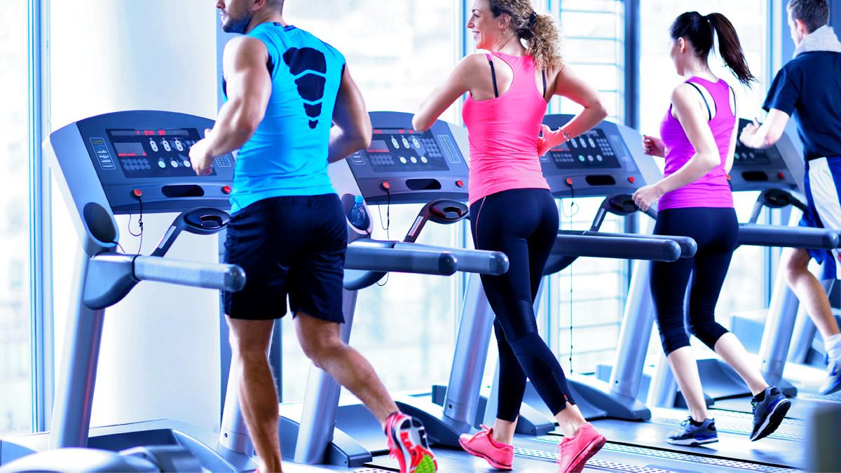 Bedwelming 4 manieren om aan cardio training te doen - Trainerz Magazine &ST43
